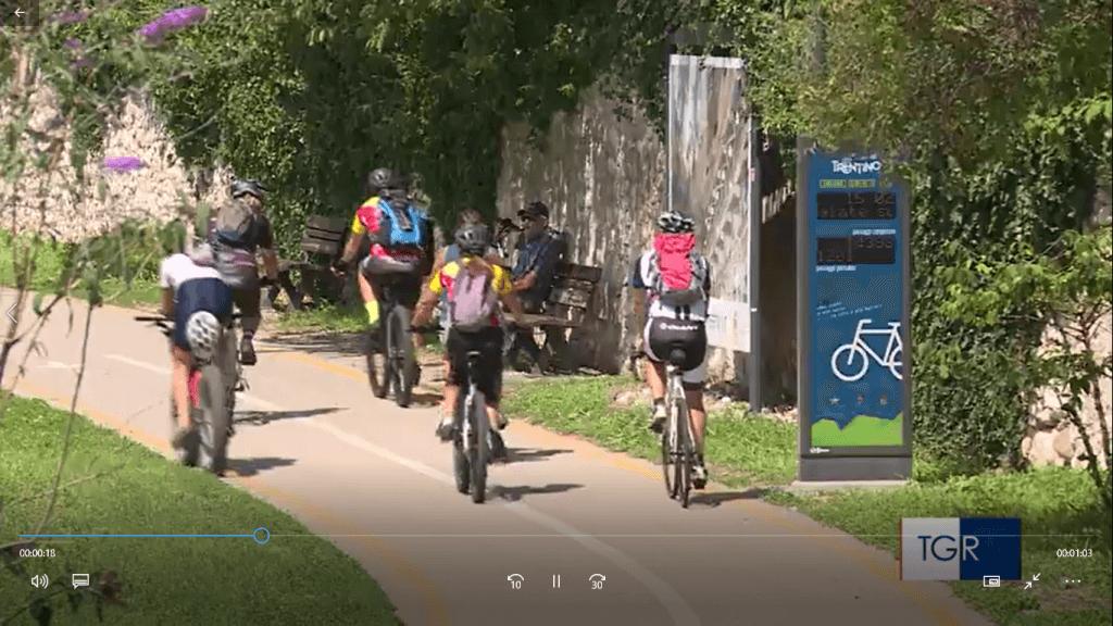 Passaggio bici e senso di percorrenza bici e pedoni